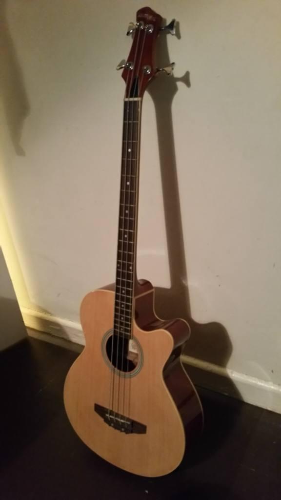 Base guitar
